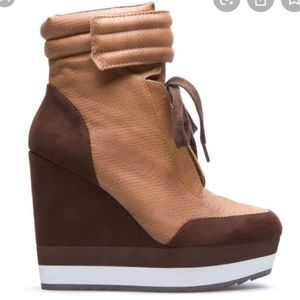 Beau Ashe brown wedge lace booties 8